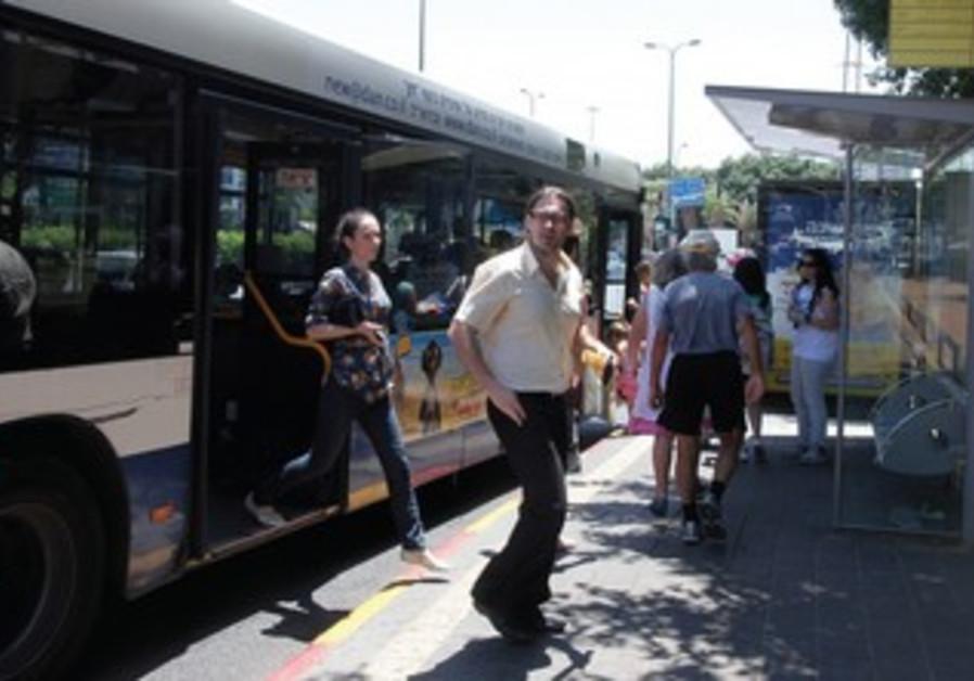 Bus unloads passengers