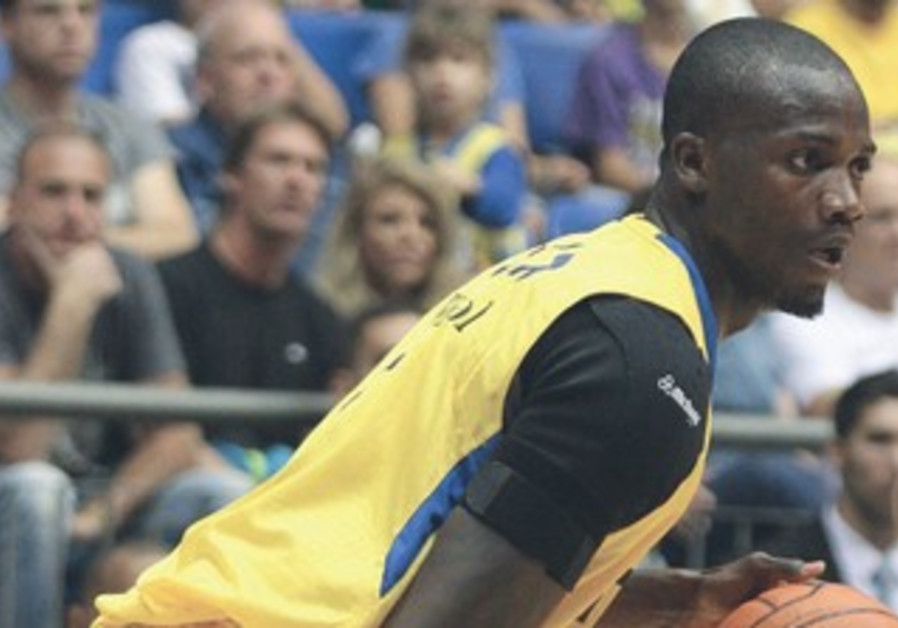 Maccabi Tel Aviv player Shawn James