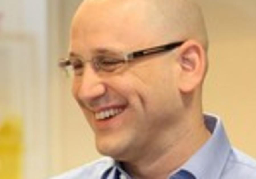 Cellcom CEO Nir Stern.