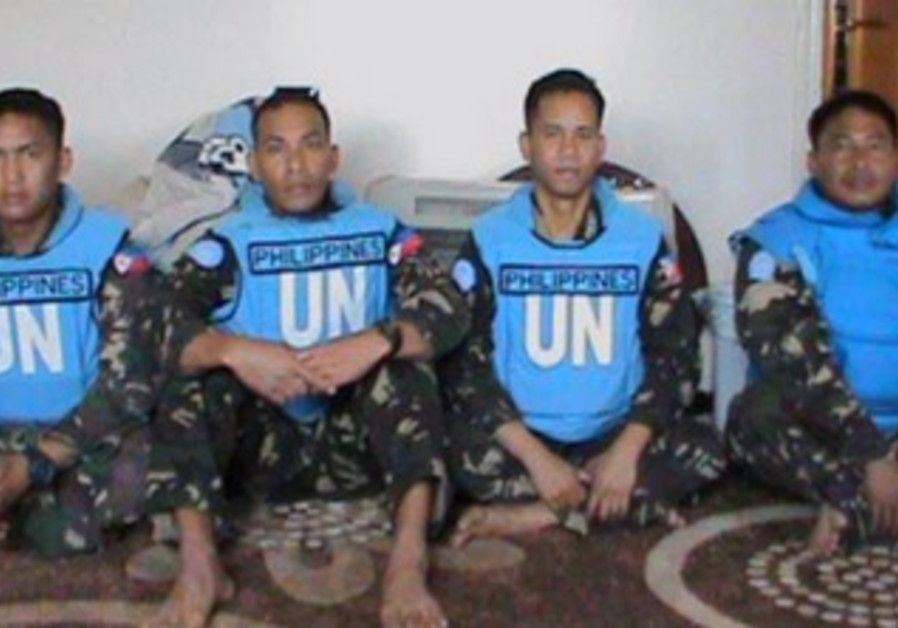Photo of detained peacekeepers released by Syrian rebels