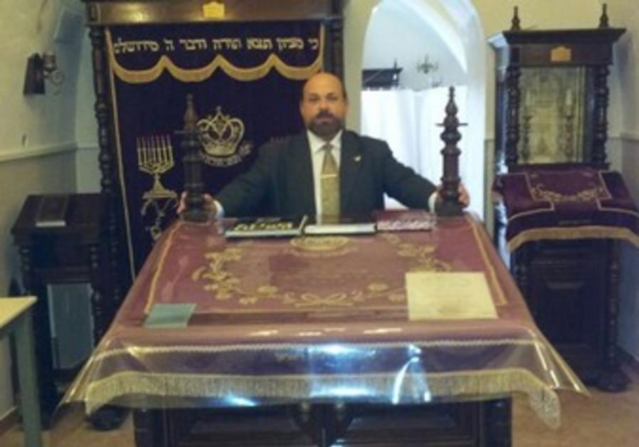 Rabbi Moshe Weingarten in the Ohr Hachaim Synagogue