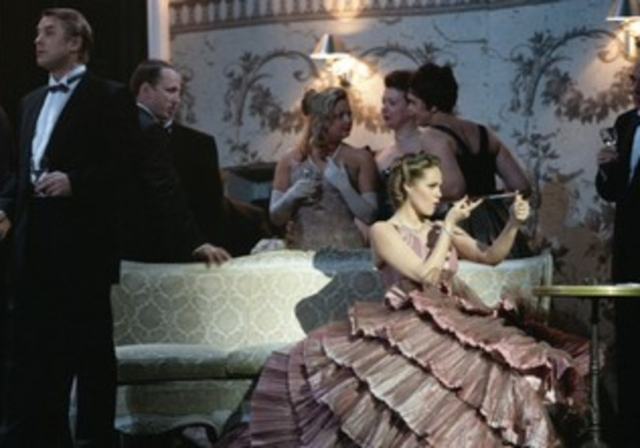 'La Traviata,' presented by the Israeli Opera
