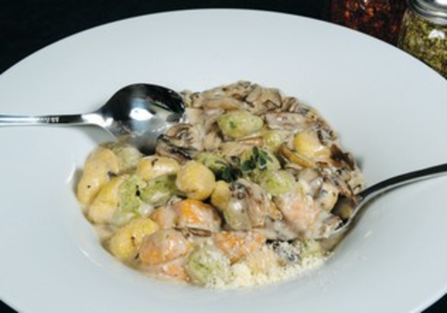 Pappardelle offers authentic Italian food
