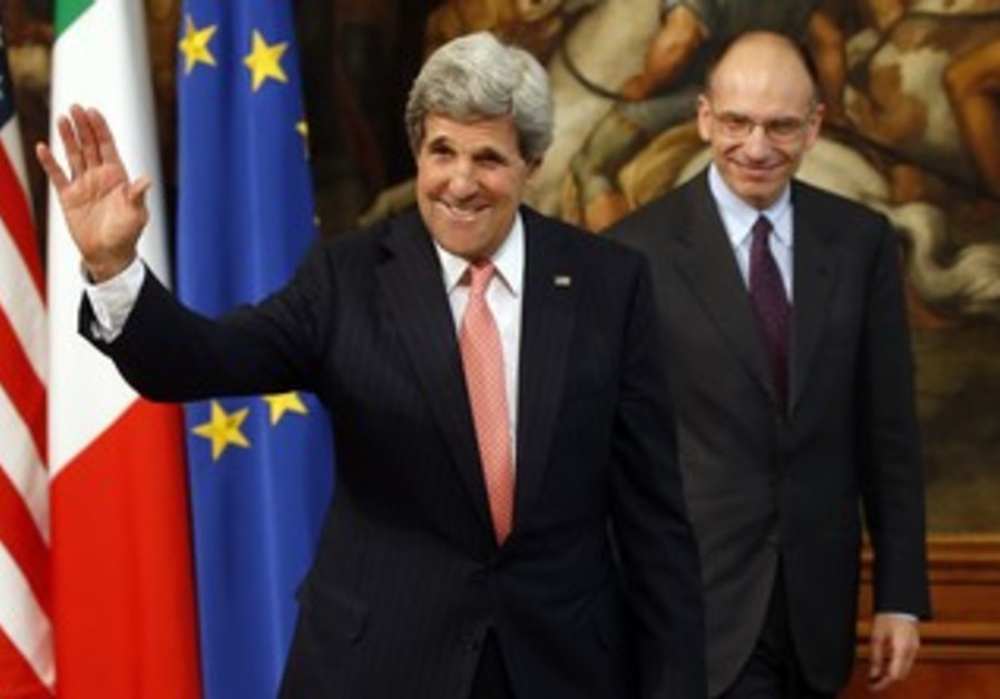 US Secretary of State John Kerry flanked by Italian PM Enrico Letta, May 9, 2013