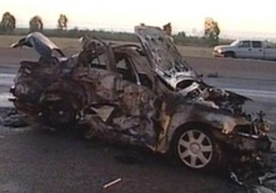2 killed in 3-vehicle collision in North