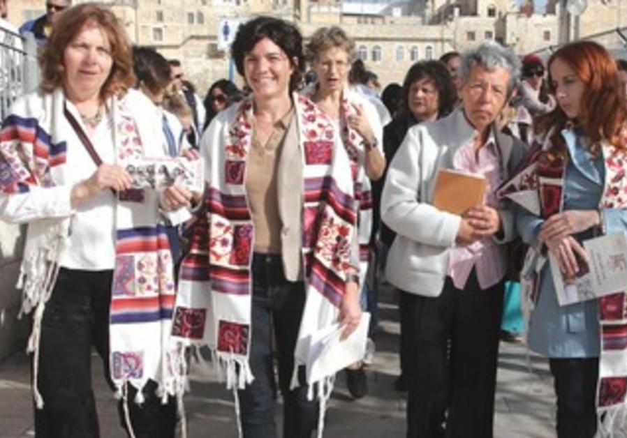ANAT HOFFMAN and MKs Tamar Zandberg (Meretz), second from left, and Stav Shaffir (Labor), right
