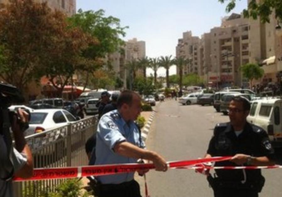 Scene of Hapoalim bank robbery in Beersheba, May 20, 2013.
