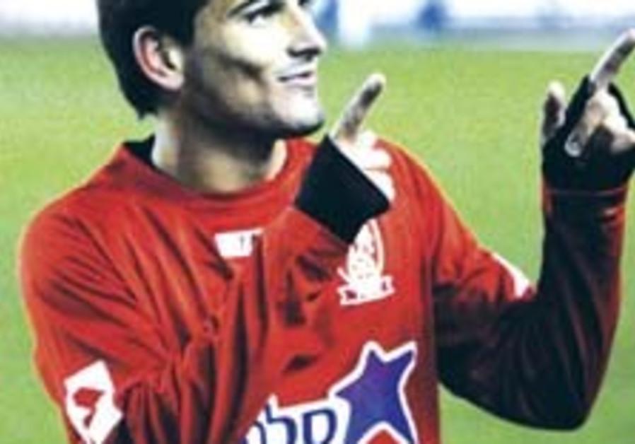 Local Soccer: Late Buzaglo screamer saves Mac TA