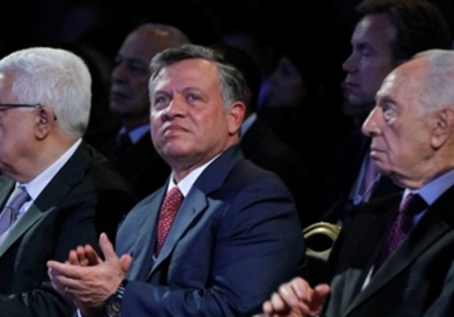Mahmoud Abbas, King Abdullah and Shimon Peres at the World Economic Forum in Jordan, May 26, 2013.