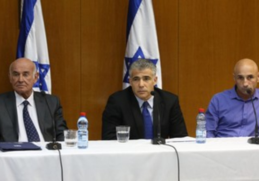 Lapid, Perry and Shelach hold press conference, May 29, 2013