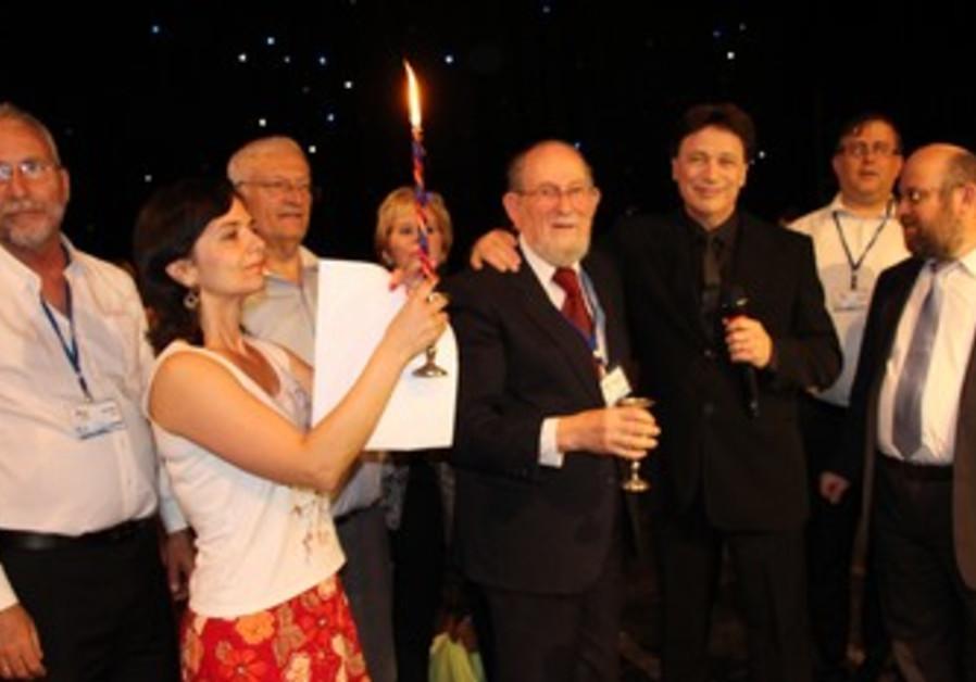LIMMUD FSU conference participants celebrate havdala services on Saturday night in Vitebsk.