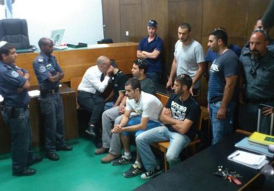 Les suspects de la tuerie de Bar Noar au tribunal de Tel-Aviv, dimanche 23 juin.