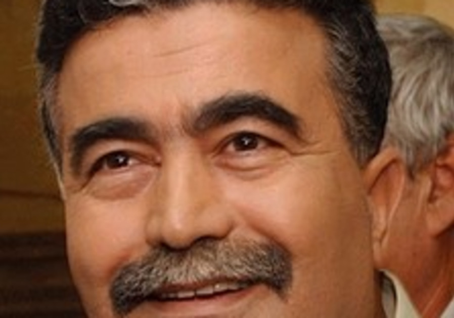 Watchdog group accuses Peretz of using his office for political gain