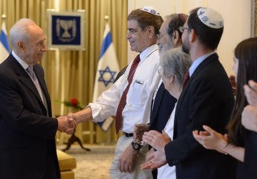 Peres meets with Rabbinical Assembly members