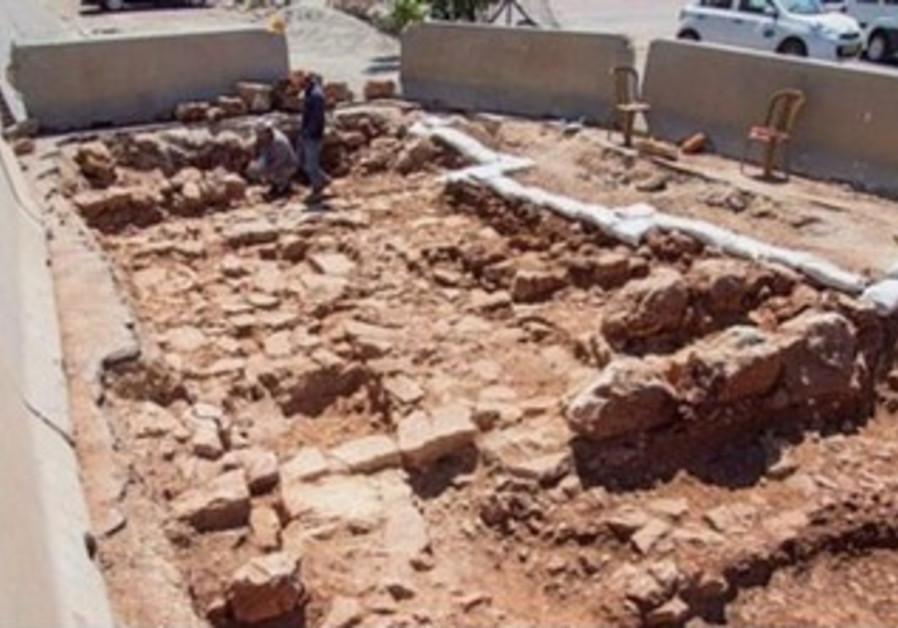 A Roman-era roadway discovered in Beit Hanina