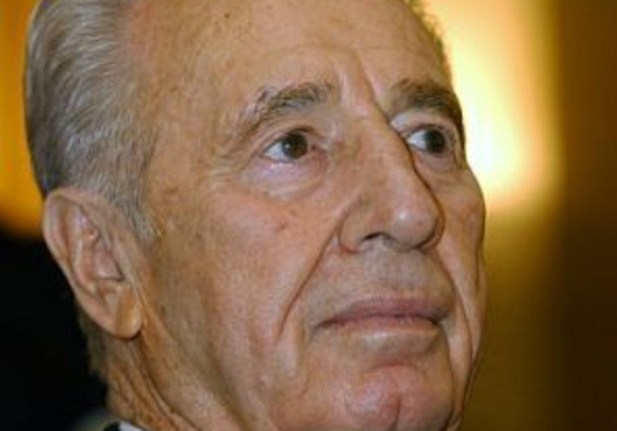 Peres to 'Post': Olmert to meet Abbas