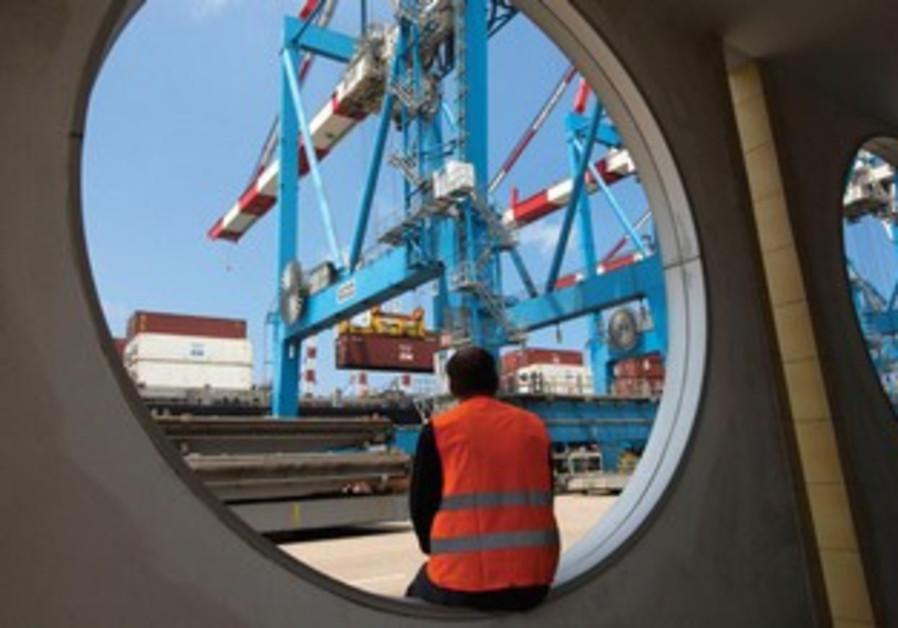 Les ports israéliens peuvent accueillir les navires transportant seulement 10 000 conteneurs