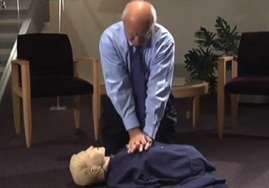 Hillel's Tech Corner: Performing CPR like in the movies