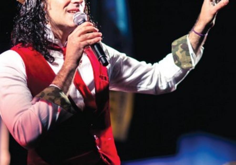 Marshall Marin interprète les plus beaux morceaux de la chanson française.