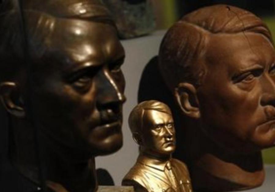 Bust of Adolf Hitler [file]