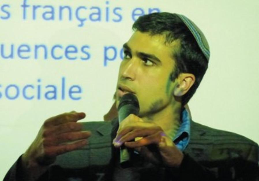 Yoni Chetboun, autoproclamé représentant des francophones.