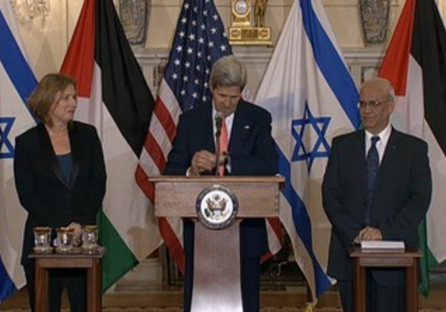 Kerry, Livni, Erekat in peace talks