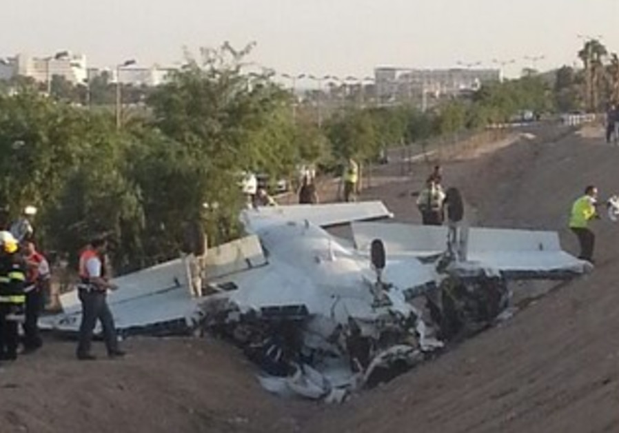 Small plane crashes in Eilat, 1 dead, 2 injured on August 1, 2013.
