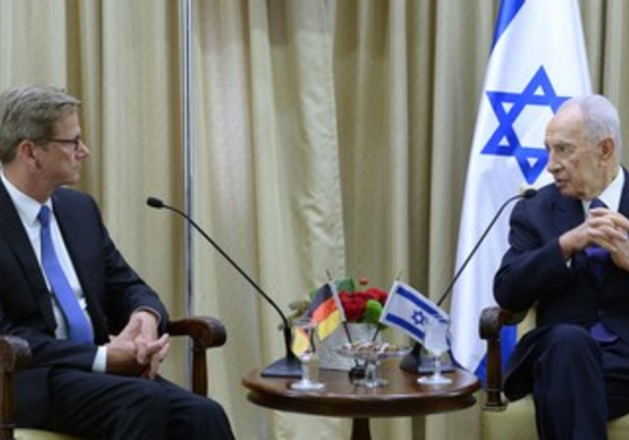 German Foreign Minister Dr. Guido Westerwelle meets with President Shimon Peres, August 11, 2013.