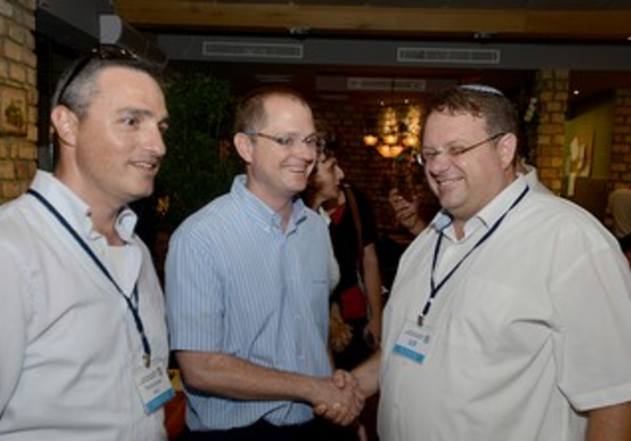 Oded Feuer (L) with Dir-Gen of Immigrant Absoprtion Ministry Oded Forer and Yaakov Hagoel