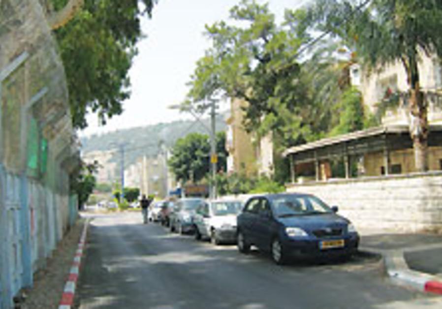 Streetwise: Rehov Charles Lutz, Haifa