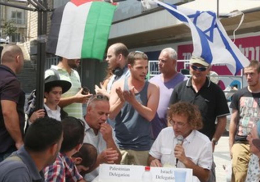 """The People's Peace Plan"" meet in Jerusalem for peace talks, August 23, 2013."