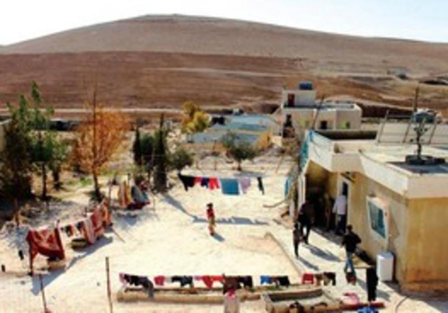 Dans la région de Beersheva, un village bédouin s'équipe en panneaux solaires.