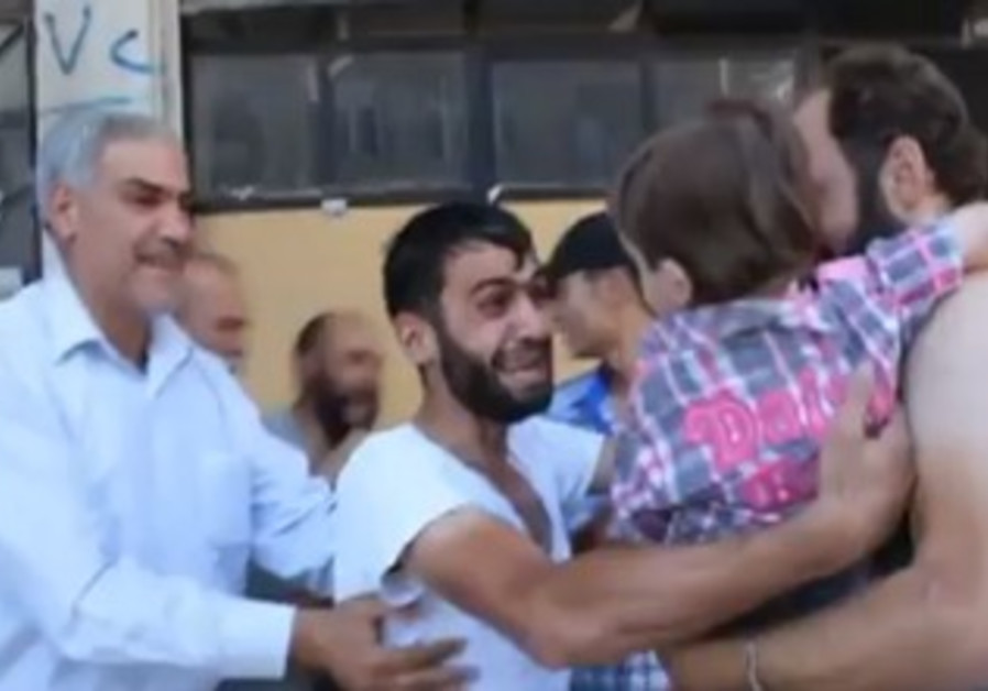 Vdeo of the father and son following chemical attacks in the Syrian capital.