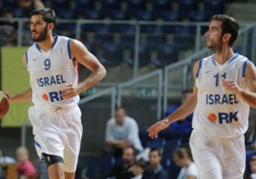 Players Omri Casspi and Yogev Ohayon.