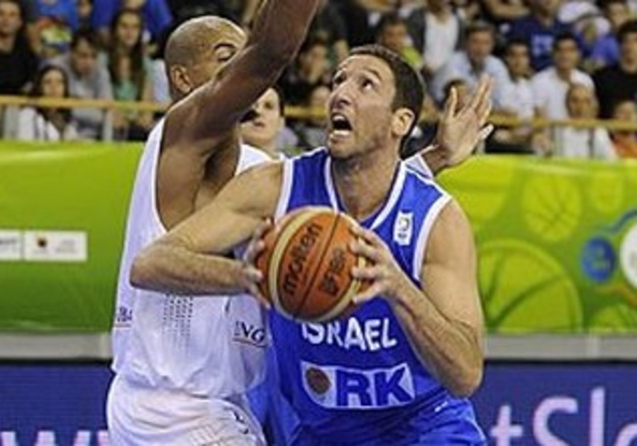 Israeli EuroBasket hoops recap by Allon Sinai leading page 12 - Israel-Germany picture