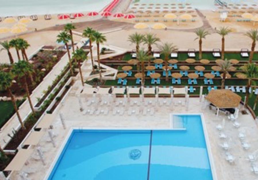 Herods Hotel autdoor fresh-water pool area