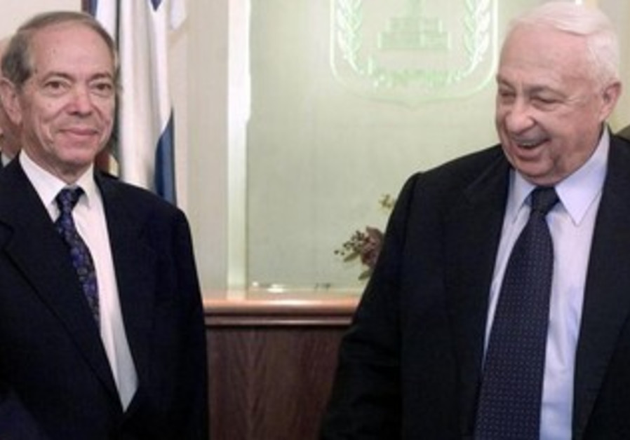 Osama El-Baz with then-premier Ariel Sharon in 2002