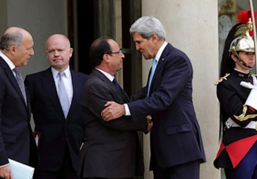Francois Hollande, John Kerry, William Hague and Laurent Fabius in Paris, Sept. 16, 2013.