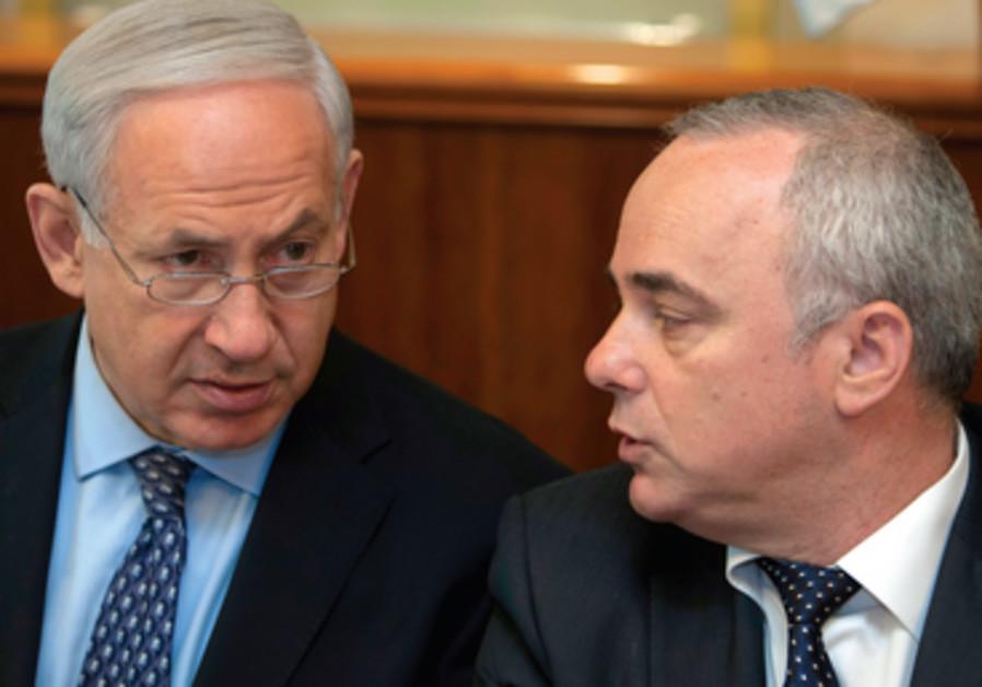 Steinitz a l'oreille de Netanyahou qui l'inclut dans la plupart de ses rencontres.