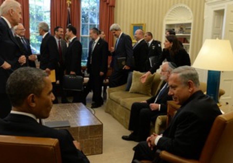 PM Netanyahu and US President Obama at the White House on September 30, 2013.