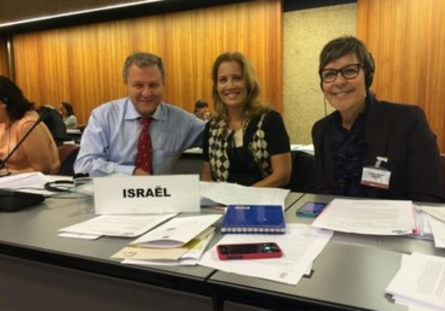 L-R: MKs Sheetrit and Lavie, Knesset Secretary Yardena Maller-Horowitz