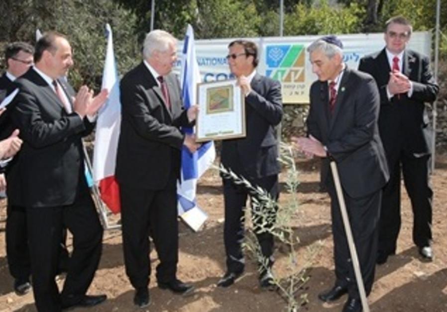 Czech Republic President Plants a Tree in Jerusalem