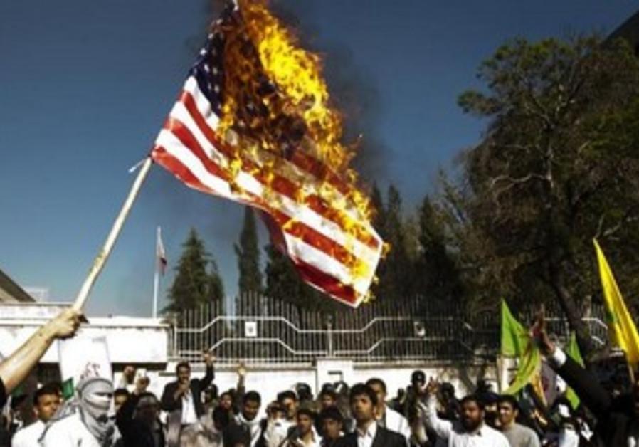Iranian students burn US flag [file]