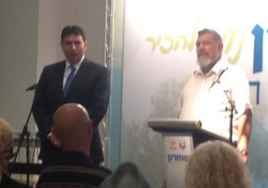Danny Danon and Gershon Messika at event in support of Samaria, October 17, 2013.