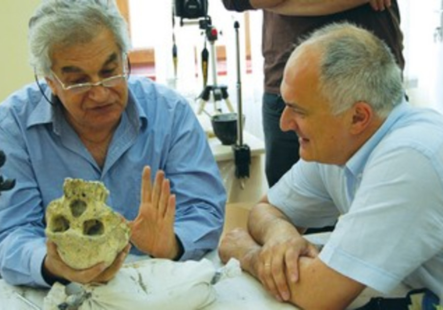 PROF. YOEL RAK (left) of Tel Aviv University.