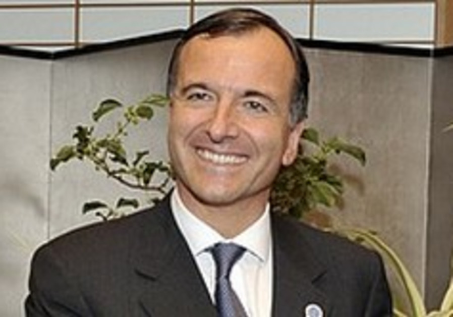 Italian FM Frattini to send envoy to Teheran