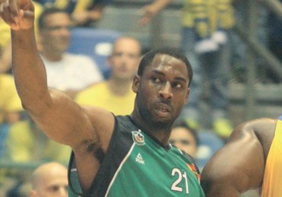 Maccabi Haifa's Donta Smith.