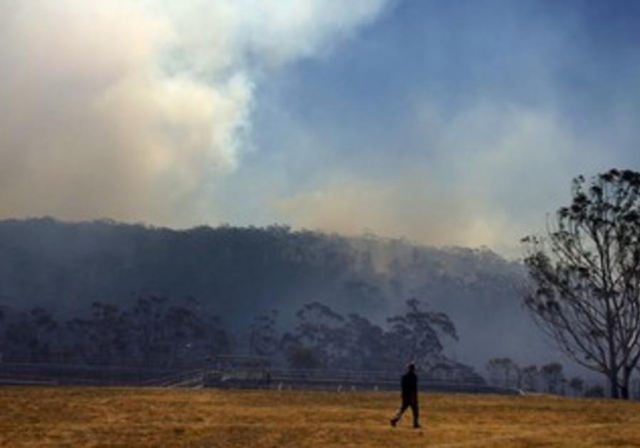 Fire approaching homes near Blue Mountains suburb of Blackheath