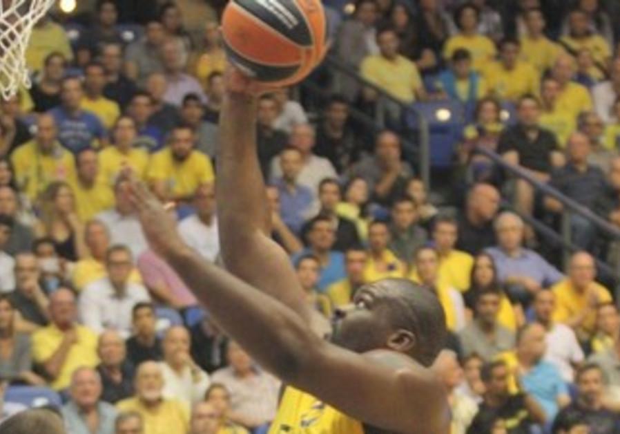 Maccabi Tel Aviv's Sofoklis Schortsanitis.