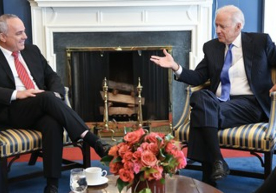 Intelligence Minister Yuval Steinitz meeting with US Vice President Joe Biden in Washington, Oct 24.